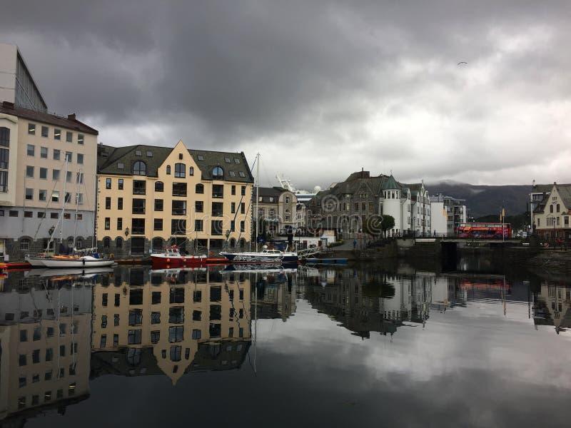 Huizen in Noorwegen royalty-vrije stock fotografie