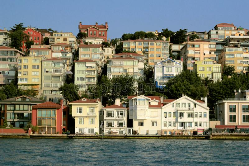 Huizen op het overzees stock foto