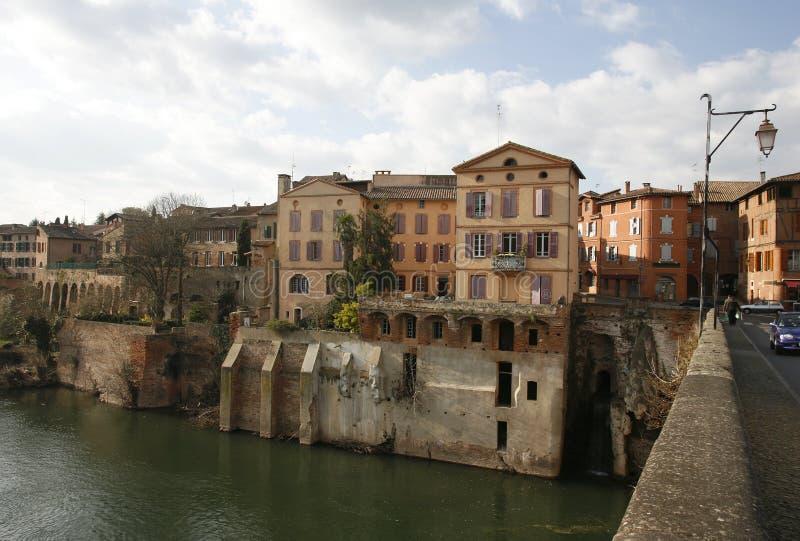 Huizen op rivier royalty-vrije stock fotografie