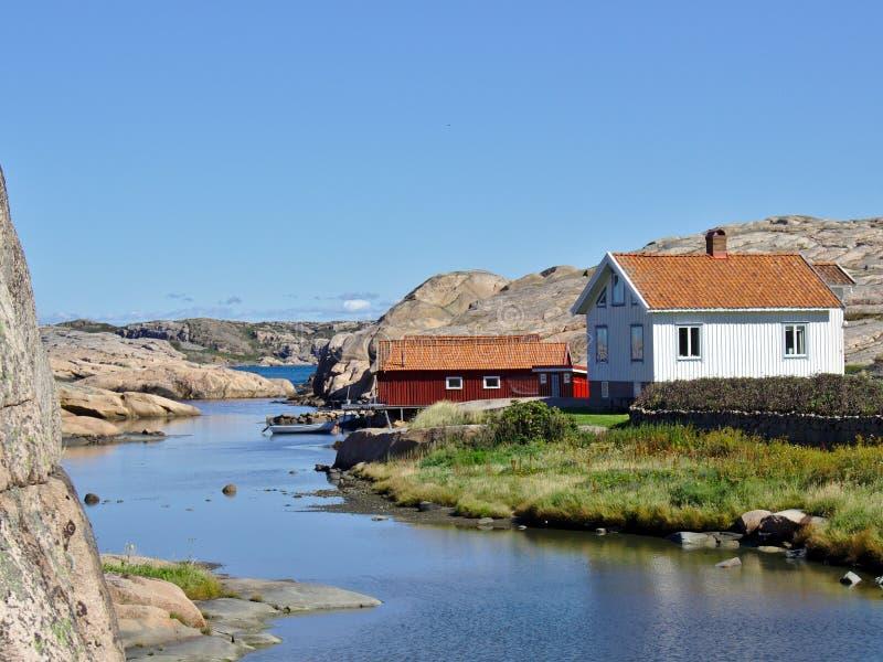 Huizen op Zweedse westkust royalty-vrije stock foto