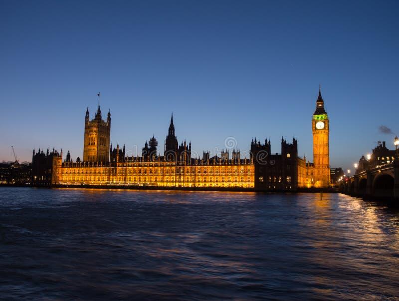 Huizen van het Parlement bij Schemer royalty-vrije stock foto