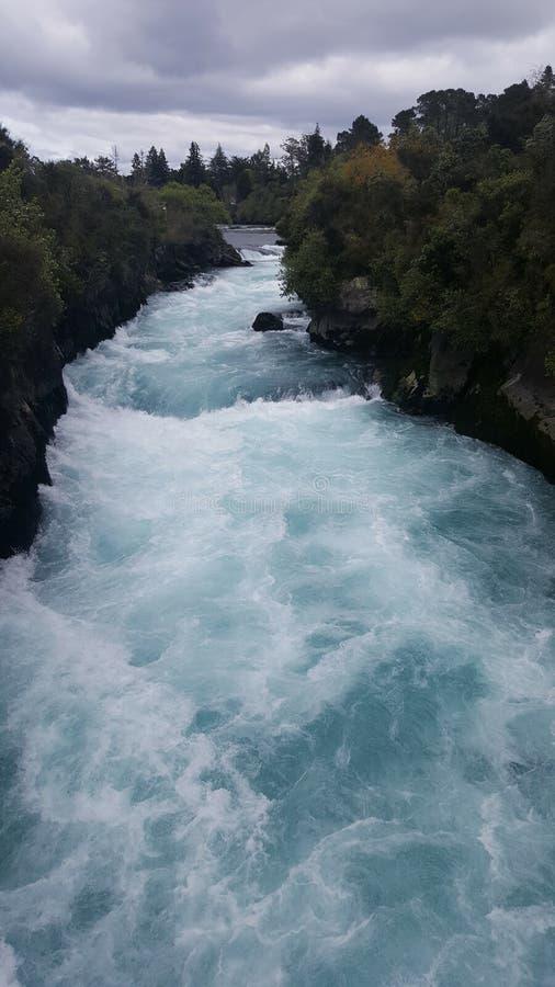 Huka cai Taupo Nova Zelândia Água muito poderosa fotografia de stock