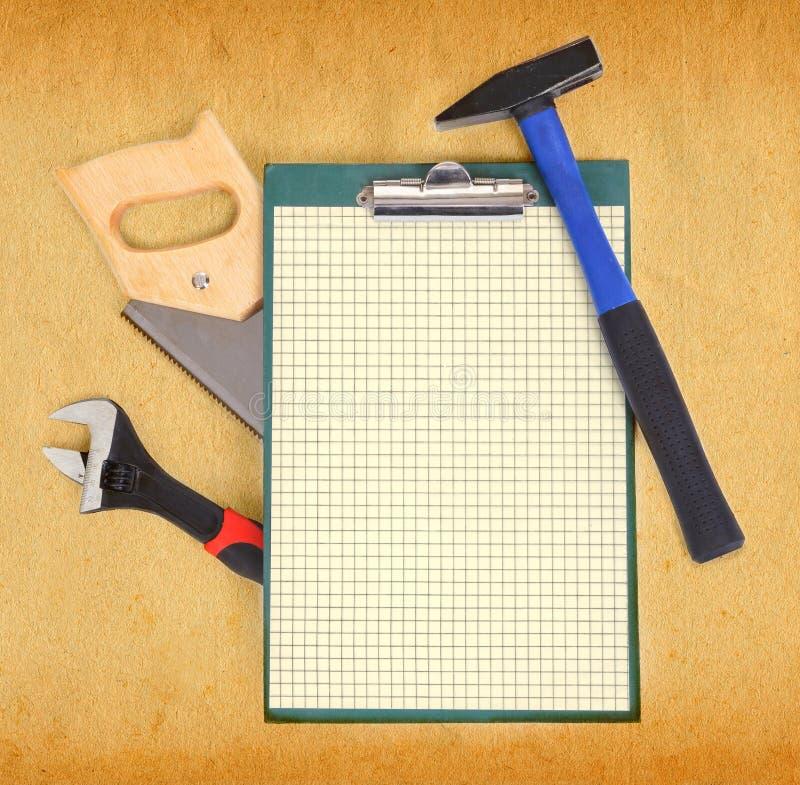 Hulpmiddelen en klembord royalty-vrije stock afbeeldingen