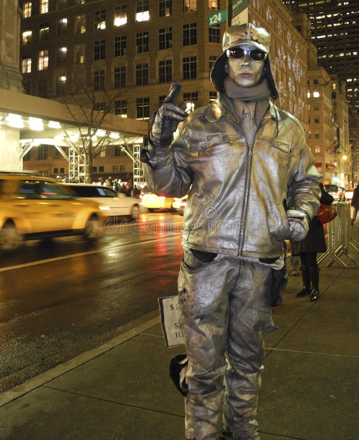 Free Human Statue: Man Painted Silver NYC Stock Image - 18559551