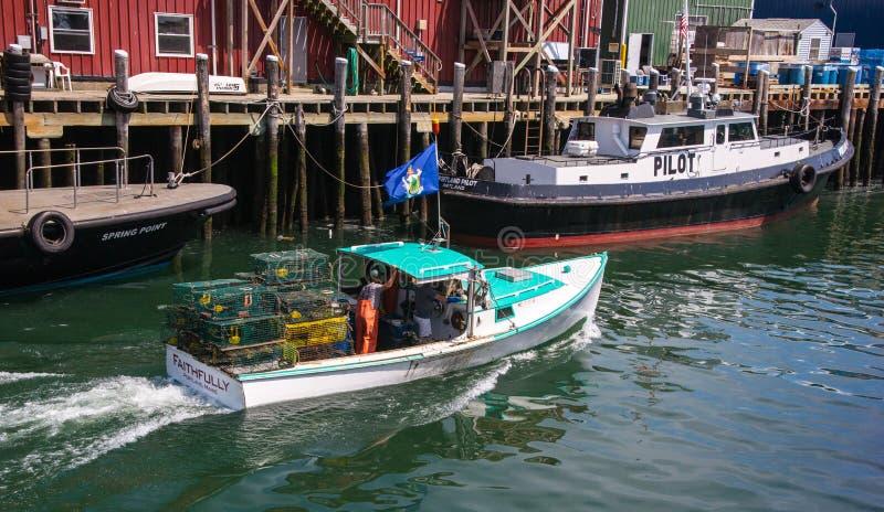 Hummerfiskebåt royaltyfri foto