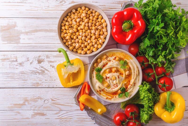 Hummus и нут Еврейская кухня Взгляд сверху стоковое изображение rf