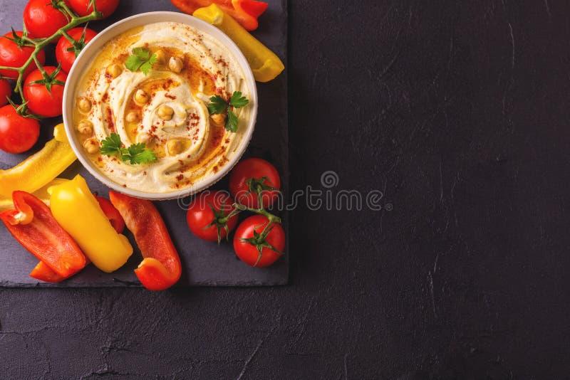 Hummus и нут Еврейская кухня Взгляд сверху стоковая фотография rf