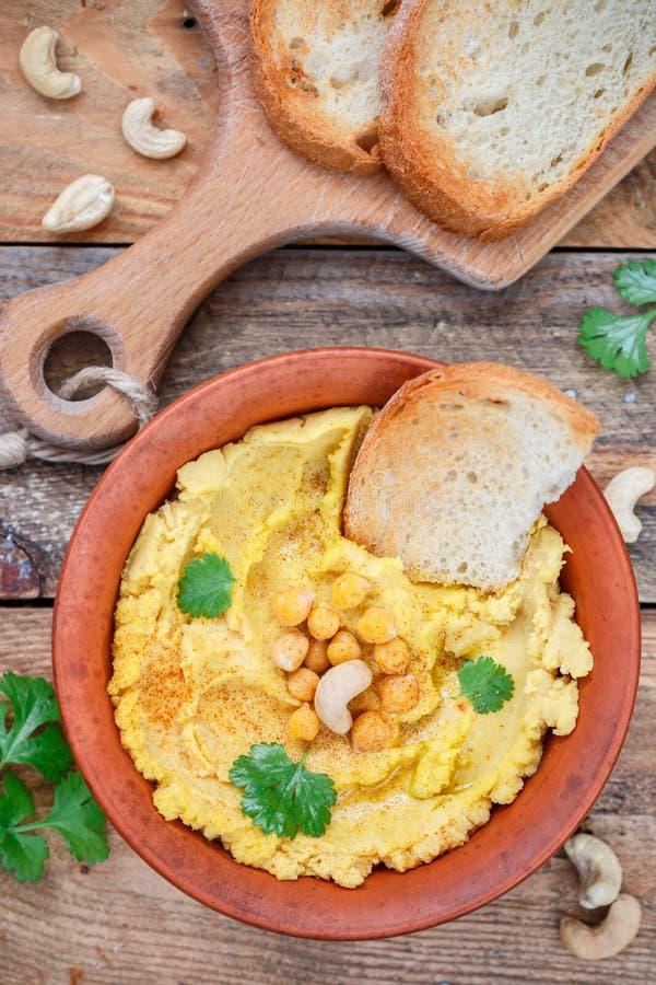 Hummus традиционная ближневосточная закуска стоковое изображение rf