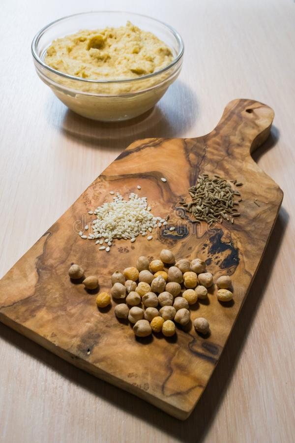 Hummus e ingredientes foto de archivo