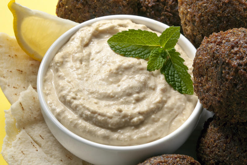 Hummus et Falafel images stock