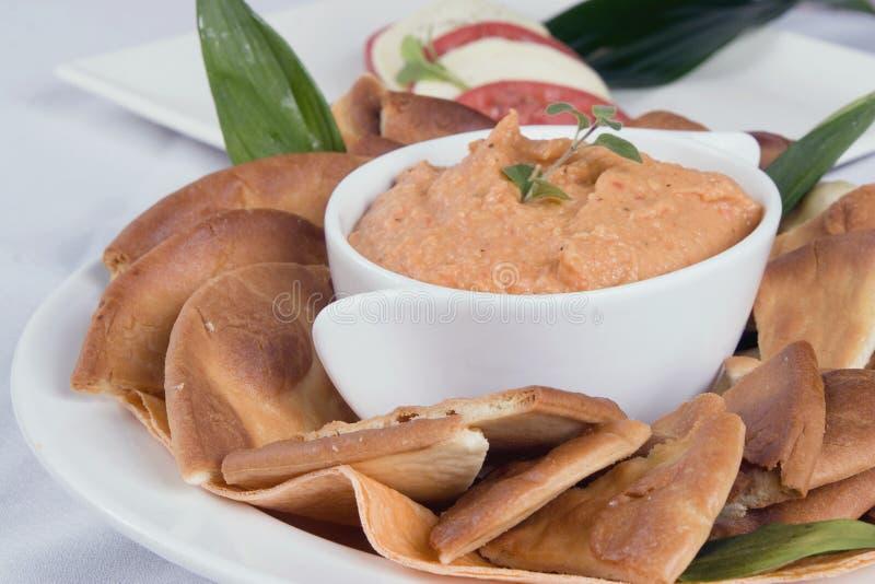 Download Hummus fresco imagen de archivo. Imagen de rojo, verdes - 1287699