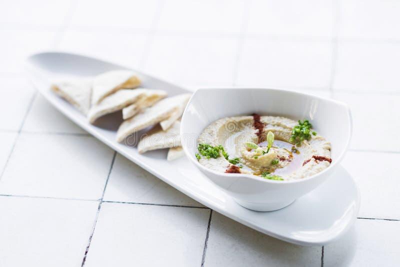 Hummus houmous中东素食健康点心 免版税图库摄影
