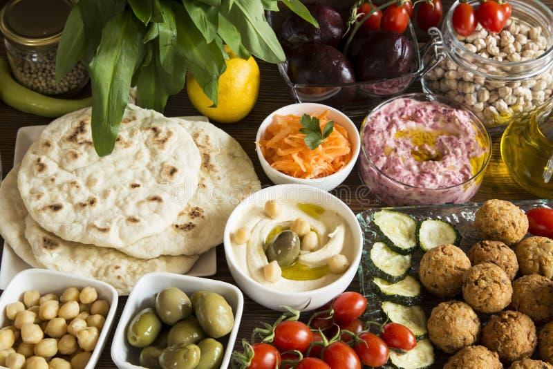 Hummus och falafel royaltyfri fotografi