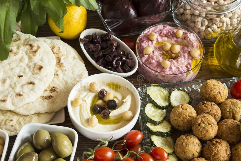 Hummus und Falafel stockfotos