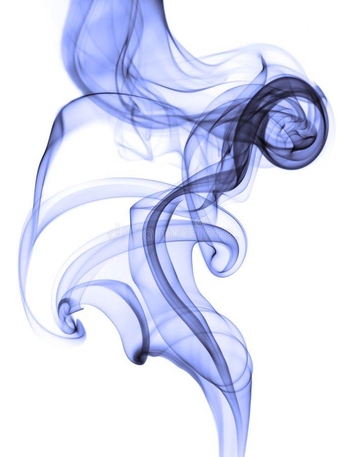 Humo azul abstracto en el fondo blanco fotografía de archivo libre de regalías