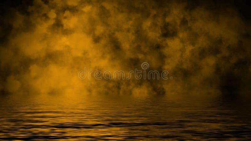Humo con la reflexi?n en agua La textura amarilla de la niebla del misterio sobrepone el fondo foto de archivo
