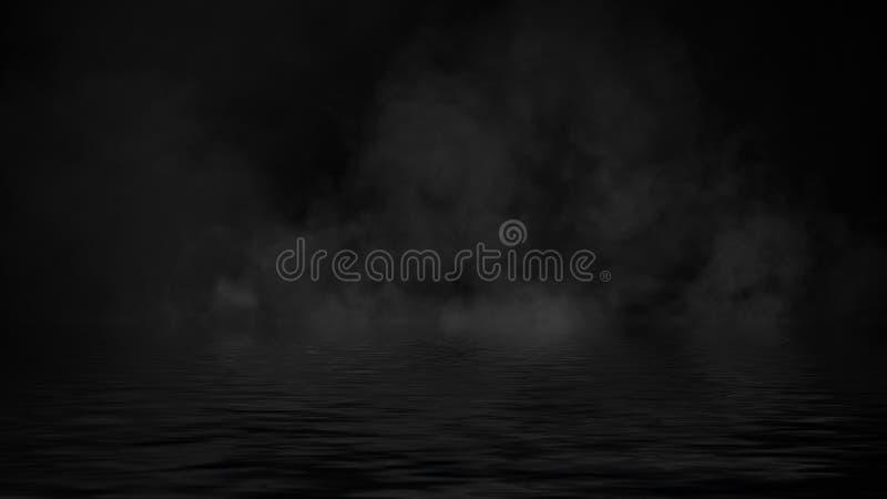 Humo con la reflexi?n en agua La textura de la niebla del misterio sobrepone el fondo imagen de archivo libre de regalías