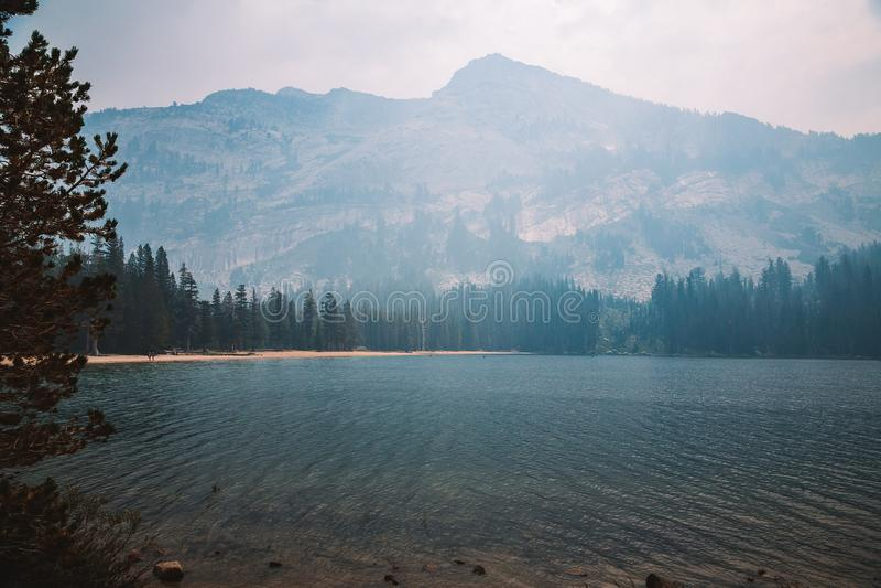 Humo en el parque nacional de Yosemite foto de archivo libre de regalías