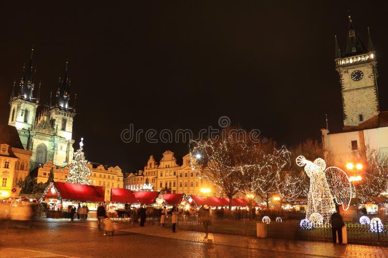 Humor na praça da cidade velha, Praga do Natal fotos de stock