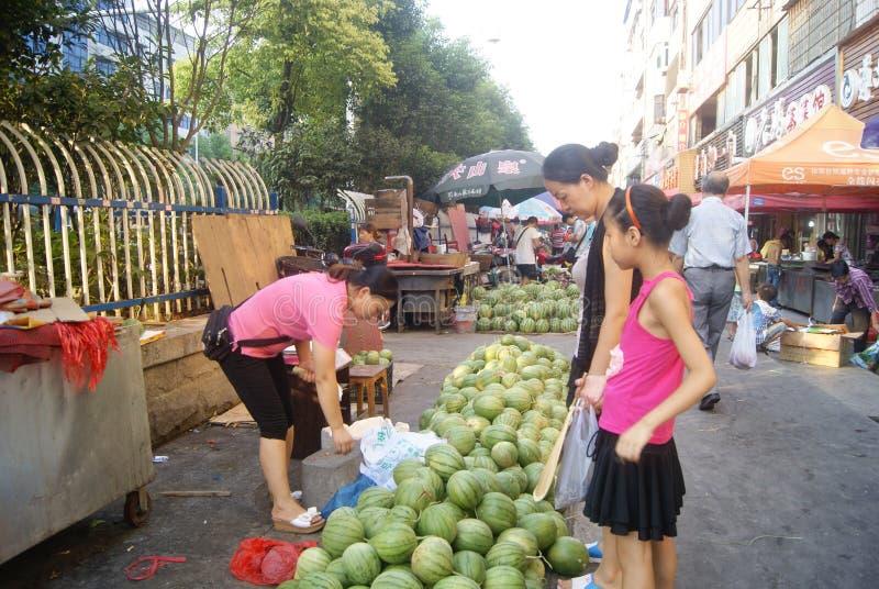Hunan Huaihua, Kina: fruktmarknad royaltyfri fotografi