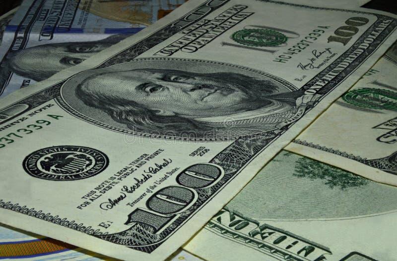 Hundert Dollarbezeichnungsmakro lizenzfreies stockbild