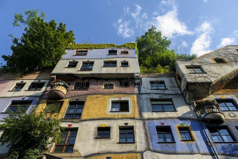 Hundertwasser-Haus-Fassade lizenzfreies stockfoto
