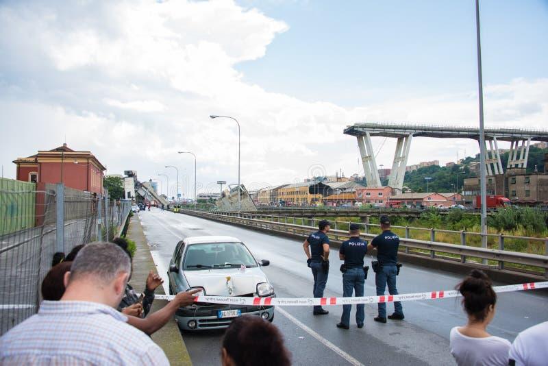 Hundimiento del puente de Morandi en Génova, Italia fotos de archivo