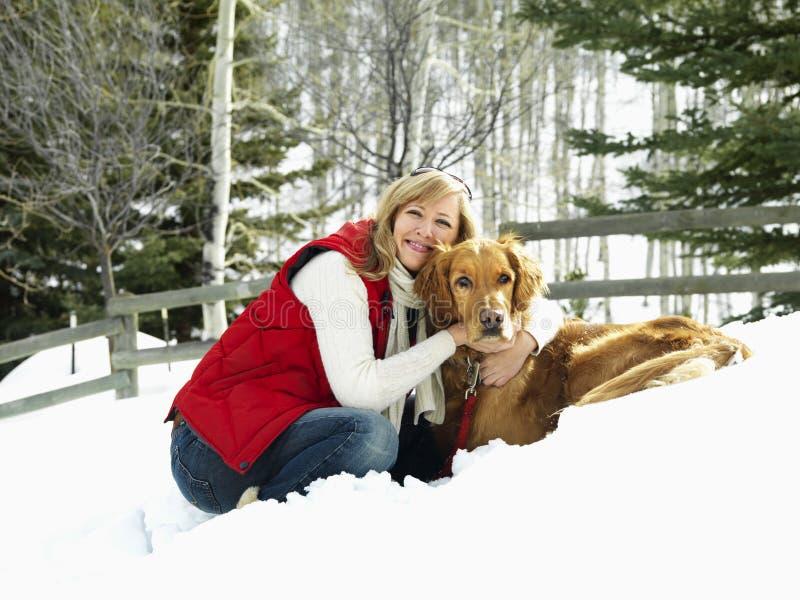 Download Hundkvinna fotografering för bildbyråer. Bild av angus - 3531433