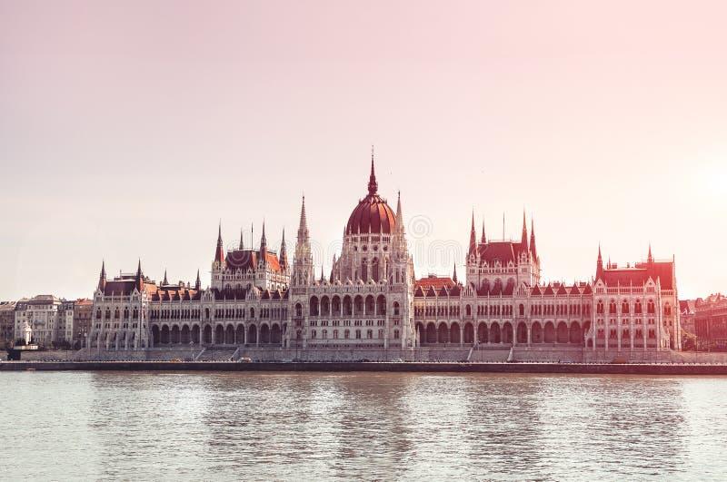 hungria O parlamento de Budapest vê Curso de Europa fotos de stock