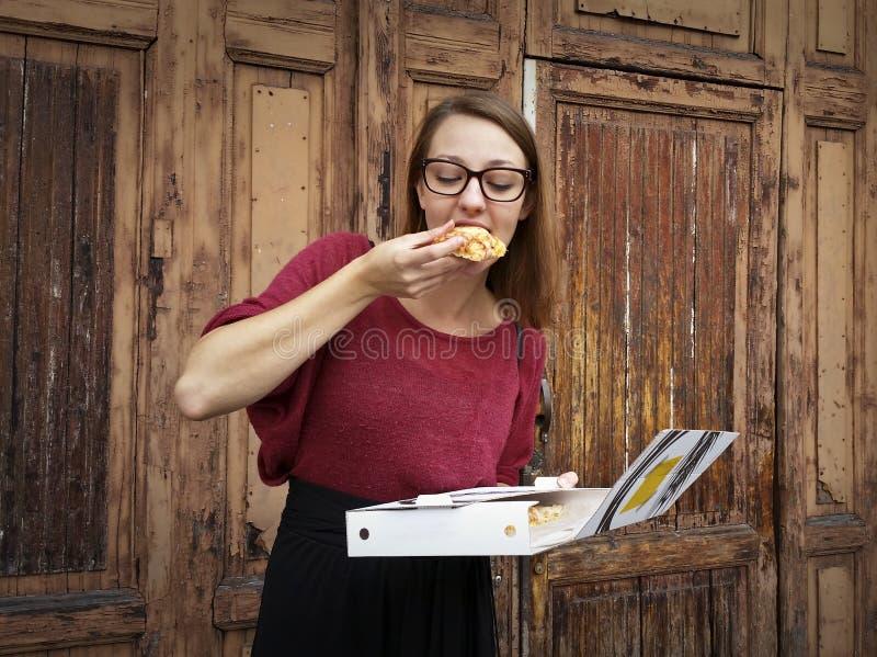 hungrig flicka arkivfoton