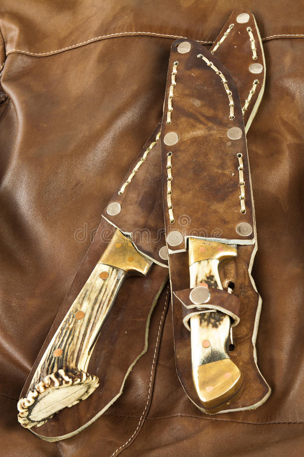Free Hunting Knife And Leather Sheath Stock Photography - 65872162