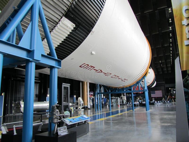 HUNTSVILLE, AL, U.S.A. - 27 FEBBRAIO 2011: Saturn V Rocket nello spazio e Rocket Center fotografia stock libera da diritti