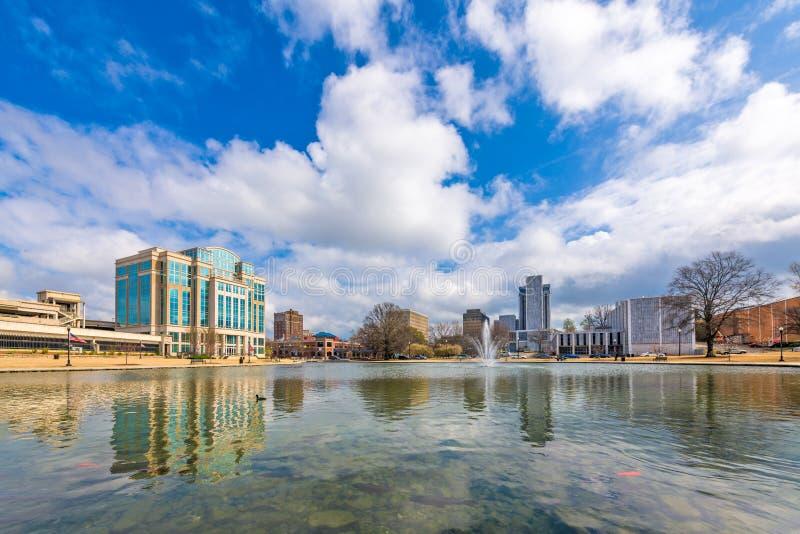 Huntsville, Alabama, USA parken und im Stadtzentrum gelegenes Stadtbild stockfotografie