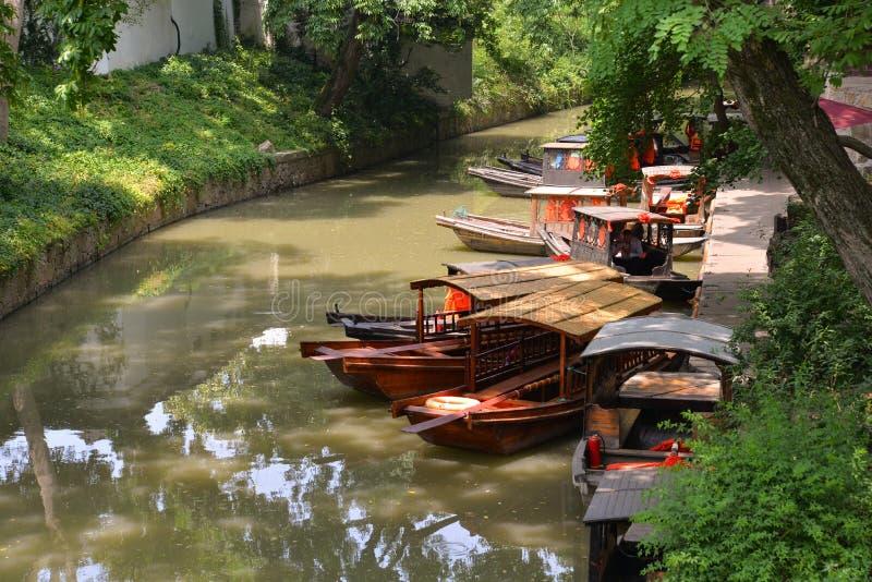 Huqiu Mountain Gardens moat and boats, Shuzhou, Chiny zdjęcie royalty free