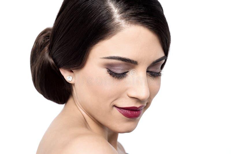 Hur är min nya frisyr? fotografering för bildbyråer