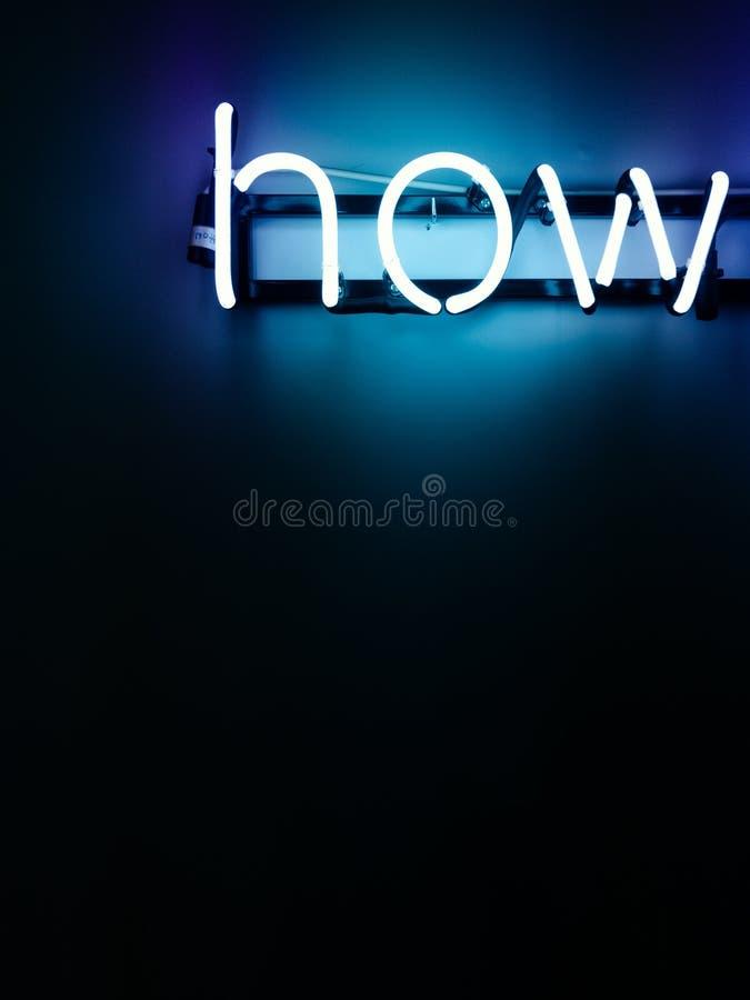 Hur neonbokstavsinstallation arkivfoto