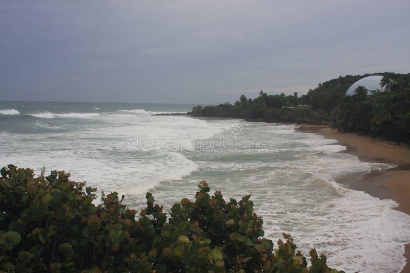 Huracán Irma Rincon, Puerto Rico 2017 de la playa de las bóvedas fotografía de archivo