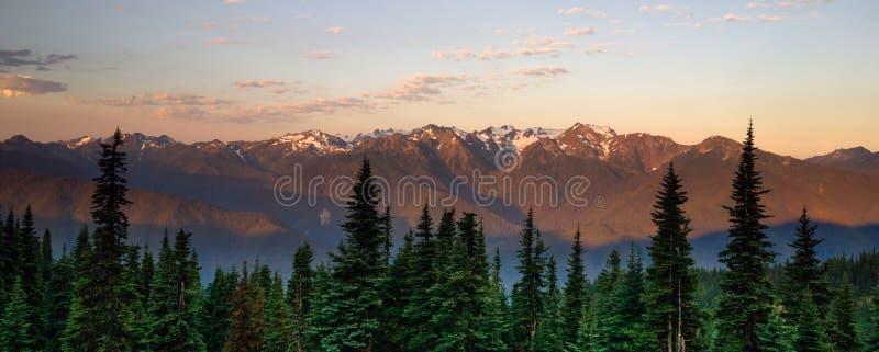 Huraganowej grani parka narodowego pasma górskiego Olimpijski zmierzch zdjęcia royalty free