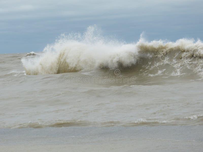 Huraganowy Sandy powoduje jezioro michigan wzrastać na zewnątrz swój brzeg obraz royalty free