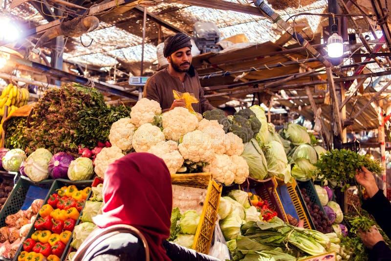 Hurghada, Egypte, vers fruit en plantaardige markt 08 12 2018 royalty-vrije stock afbeelding