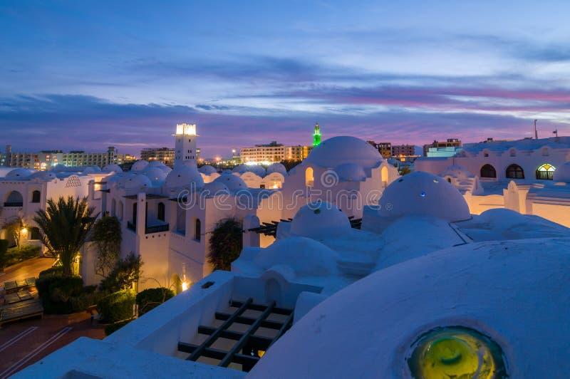 Hurghadahotel bij nacht royalty-vrije stock afbeelding