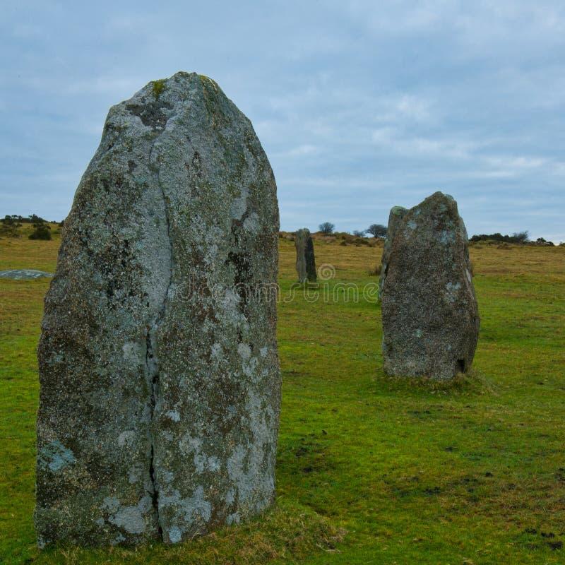 Hurlers tenant des pierres photographie stock libre de droits