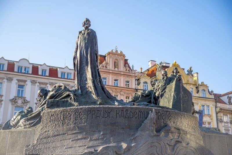 Hus μνημείο του Ιαν. στην παλαιά πόλη της Πράγας στοκ εικόνες με δικαίωμα ελεύθερης χρήσης