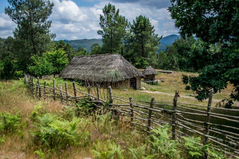 Hus av ett keltiskt folk i Galicia, Spanien royaltyfri bild