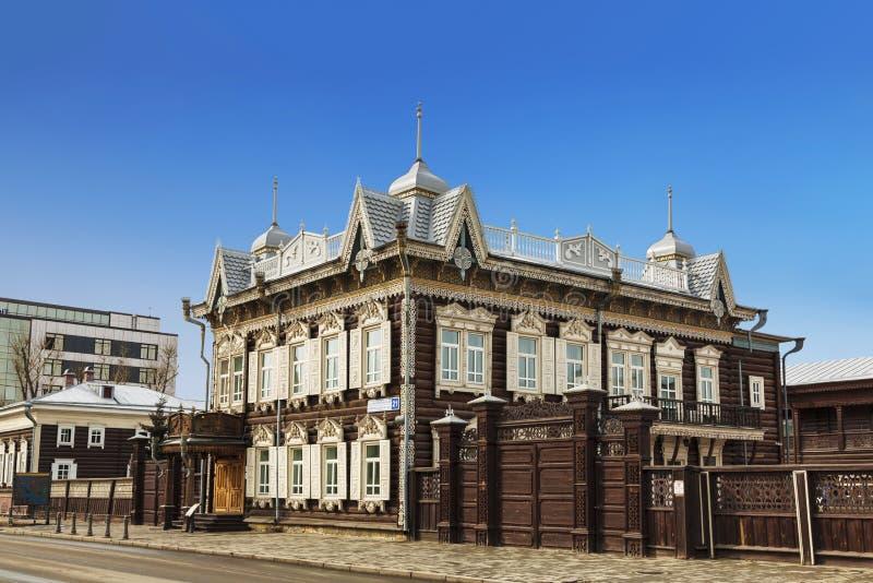 Hus av Europa eller Lace huset p? gatan Friedrich Engels, 21 Tr?huset av k?pmannen Shastin, monument av arkitektur royaltyfri bild