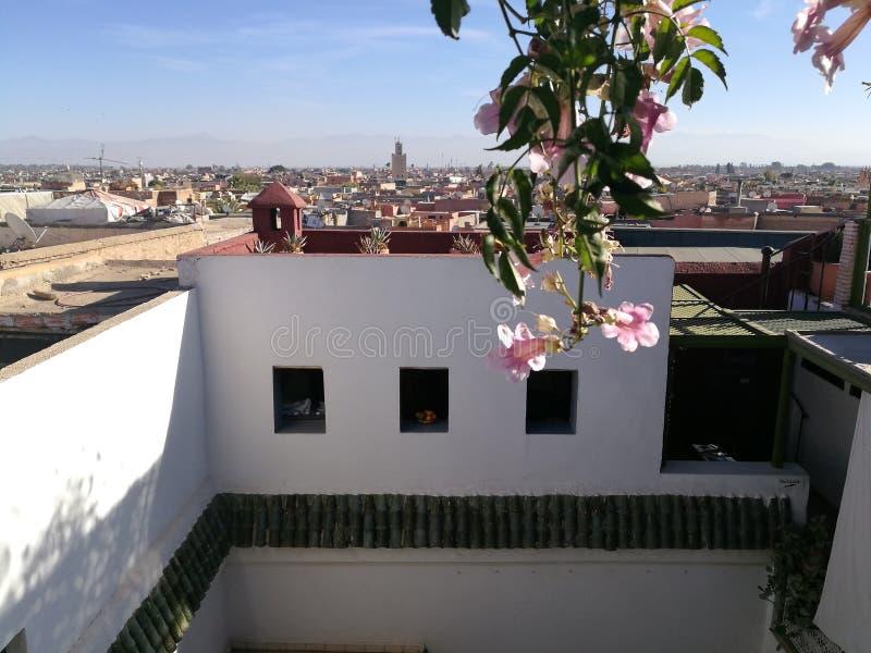 Hus av fotografi i Marrakech arkivfoton