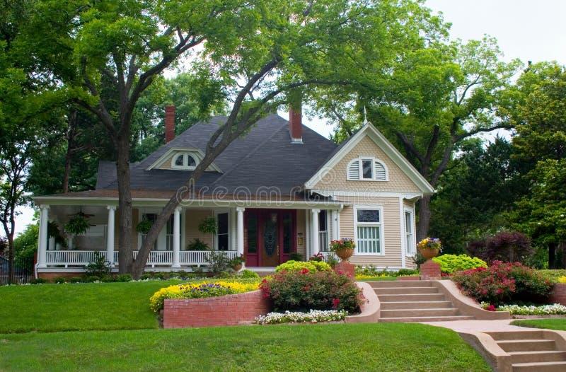 hus för 2 classic royaltyfria foton