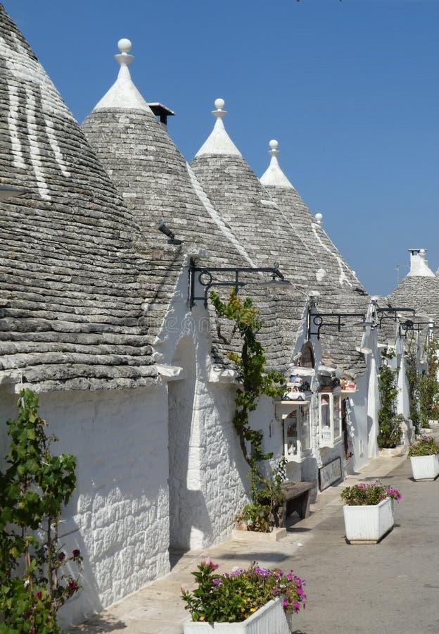 Hus för Alberobello Trulli Trullo Apulia sydligt Italien romantiskt stugakoja royaltyfria bilder