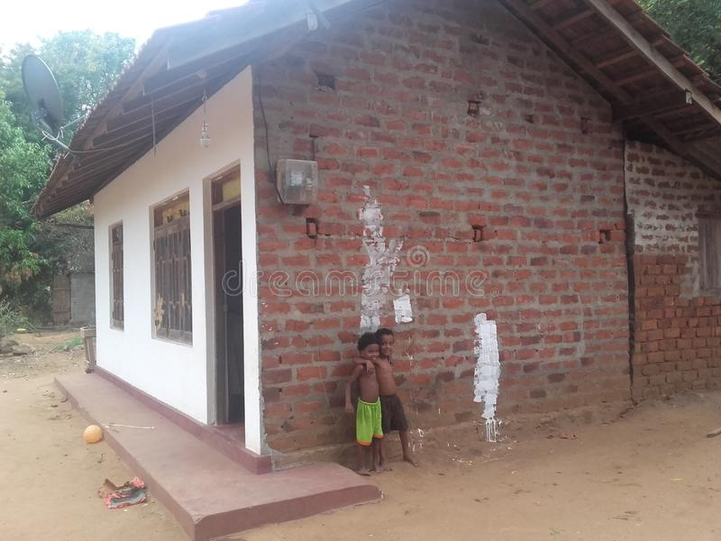 Hus i en landsbygd arkivfoton