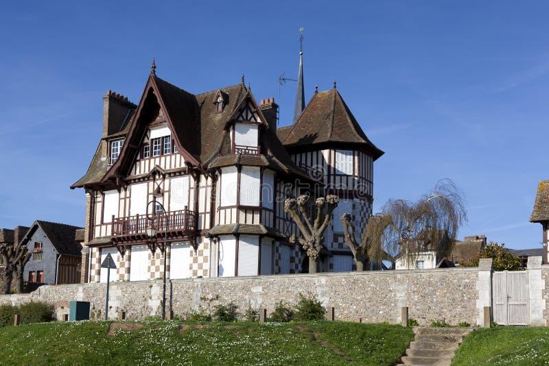 Hus i Les Andelys arkivfoto